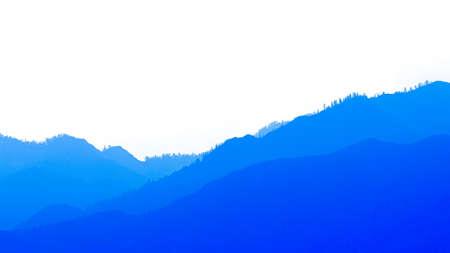 silhouettes de montagnes dans la brume bleue. Contour de douces collines dans la vallée