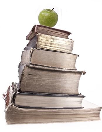 prosa: Vecchi libri su sfondo bianco.