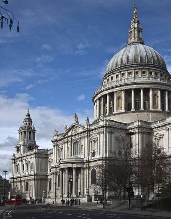 typically english: St Paul`s Cathedral from south