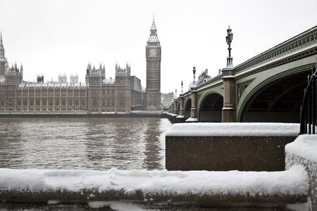 london big ben: Снег в Лондоне. Биг Бен и дворец Wesminster