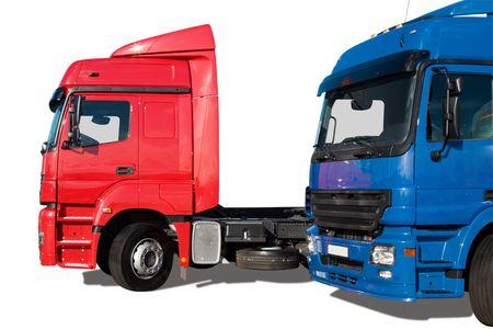 motor de carro: Dos camiones comerciales aislados m�s de fondo blanco