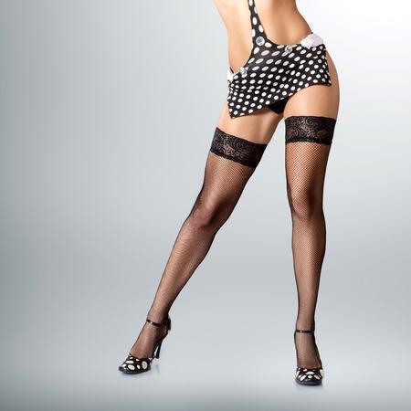 gogo girl: Sexy langen muskul�sen weiblichen Beine in High Heels