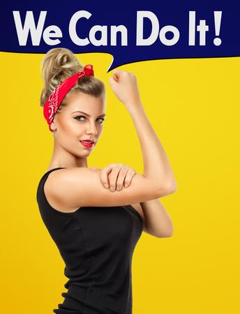 モダンなデザインの古典的なアメリカのポスター - に触発され我々 はそれを行うことができます。女性概念のエンパワーメント