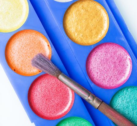 lint: bright juicy colors
