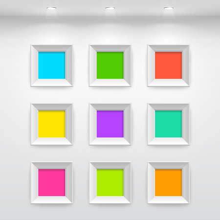 Galerie interieur met lege kleurrijke frames op de muur