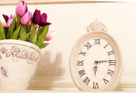 show time: Old mantel clock show time 6 hours 15 minutes