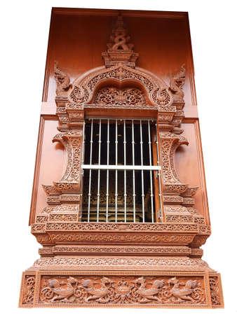 orificio nasal: ventana de madera en el templo de Tailandia, estilo tailand�s nativo tallado en madera