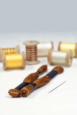 Spoelen en katoenen draden voor borduren