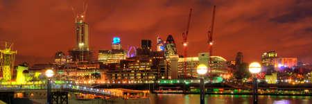 Londen bij nacht Redactioneel