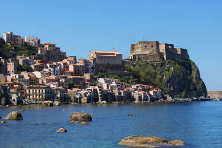 solarize: The castle of Scilla
