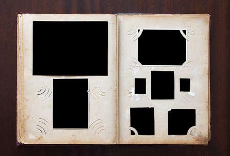 Lbum de fotos antiguas en blanco con fotos en textura de madera vieja Foto de archivo - 15437906