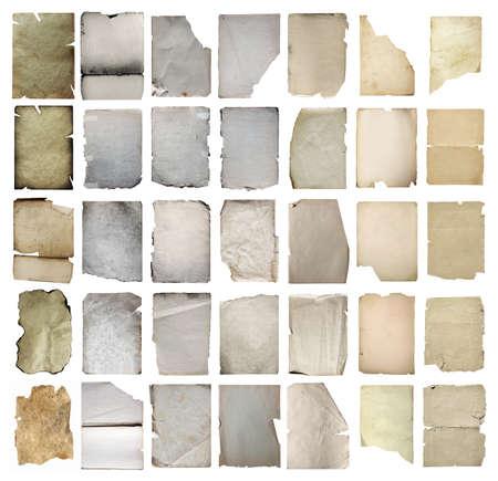 vieux papiers mis en isolé sur fond blanc avec chemin de détourage