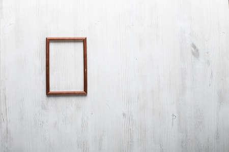 흰 벽에 사진 프레임 스톡 콘텐츠