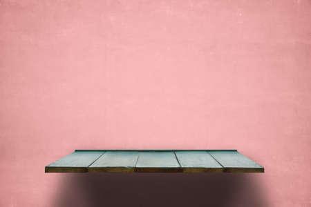 empty shelf on pink wooden wall Zdjęcie Seryjne