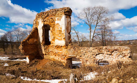 ruination: ruins - the ruins of an ancient fortress, located in the village of Golshany , Belarus. Castle 17th century