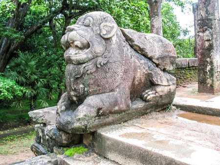 Polonnaruwa, Sri Lanka. The ruins of an ancient temple, traces of an ancient highly developed civilization. Фото со стока