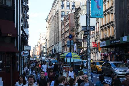 ニューヨーク、アメリカ - 2016年8月13日:ニューヨークのマンハッタン地区、観光スポット、建物、ニューヨークの通り。