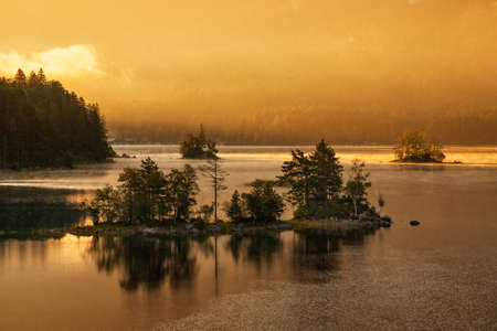 Lake Eibsee at Sunrise, Bavaria, Germany Stock fotó