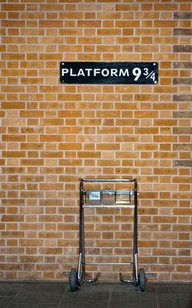 Plattform 9 34 & Trolley