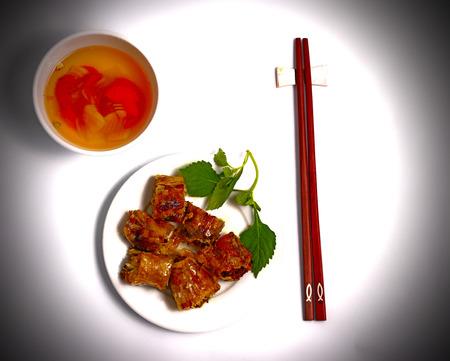 bn: Bun Cha, traditional Vietnamese food