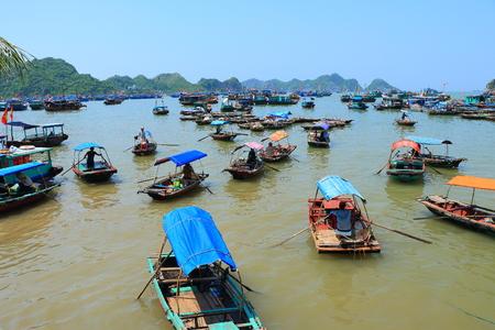 ba: cat ba ha long bay floating fish farms vietnam