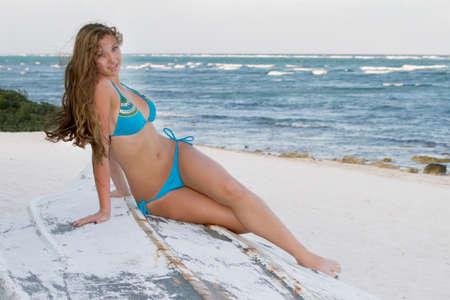 c92f598455b3 Cuatro Hermosas Chicas Hermosas Jóvenes Afroamericanos En Bikinis En ...