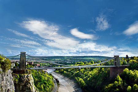 Il World Famous Clifton Suspension Bridge, situato a Bristol, Regno Unito.