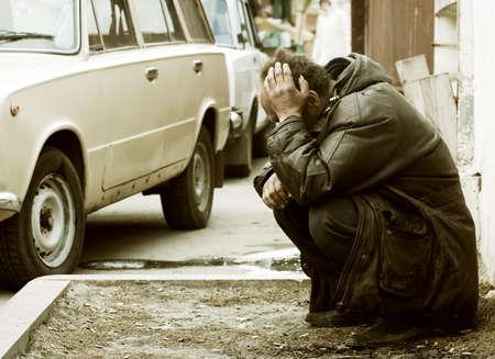 Los grandes problemas de las personas sin hogar mendigo.