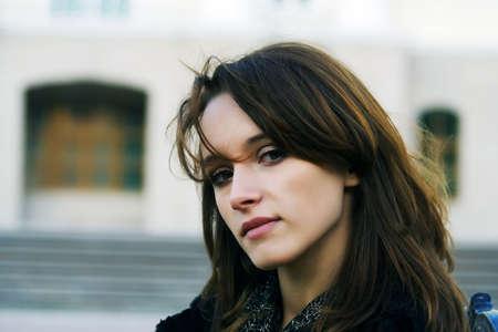 melancholijny: Melancholijny skrócie z atrakcyjnych smutno kobieta. Zdjęcie Seryjne