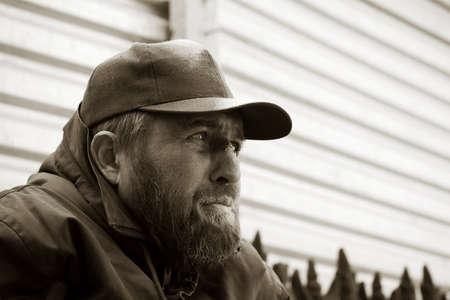 Hombre sin hogar. Foto de archivo