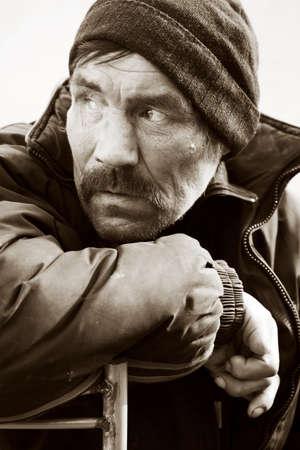 Hombre sin hogar en depresi�n