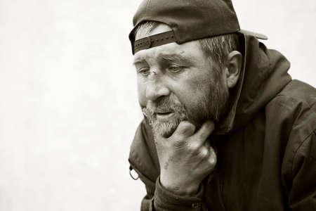 clochard: L'uomo senza casa nella depressione Archivio Fotografico