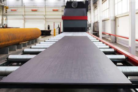 siderurgia: Granallado máquina para procesamiento de placas metálicas y perfiles