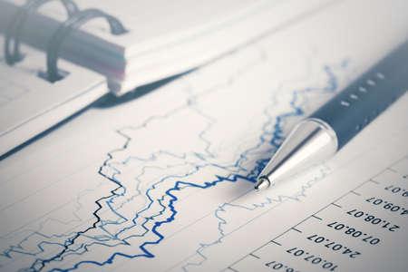 Contabilidad financiera análisis de gráficos del mercado de valores Foto de archivo - 95530814