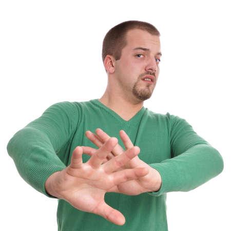 fend: giovane gesticolando con le mani alzate