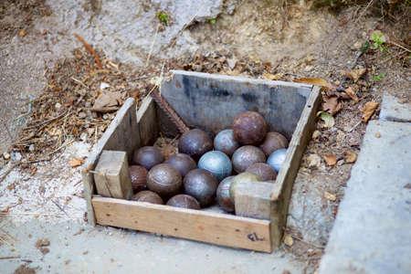 boules: Iron boules balls