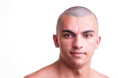 bald man: Cerca de disparo de estudio de un joven calvo sobre fondo blanco Foto de archivo