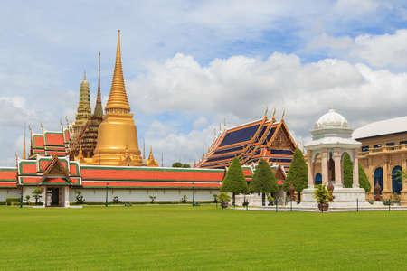 grand pa: Temple Of The Emerald Buddha Or Wat Phra Kaew In Bangkok, Thailand Stock Photo