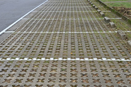 ventilated: Car Parking Lots With Ventilated Slabs