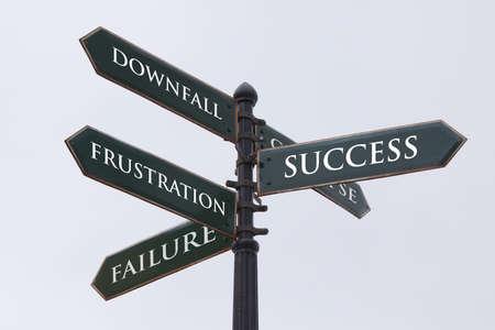 decis�es: Sinal dire��es estrada para o fracasso sucesso frustra��o e ru�na