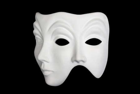 Double Face weiße Maske auf schwarzem Hintergrund isoliert 3 / 4 Ansicht
