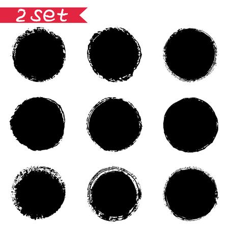 2 벡터 라운드 검정 스티커의 잉크 오 점 흰색 배경에 격리합니다. 디자인 라벨, 태그, 엠블럼, 로고