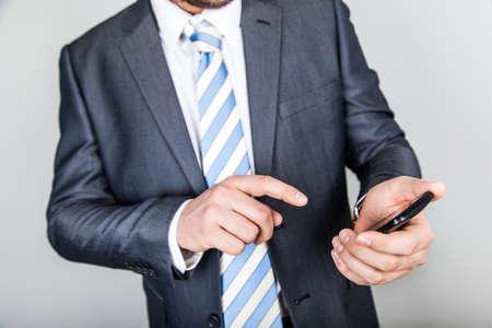 dynamically: businessman smartphone