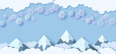 Snowflakes on ropes hanging over mountains in paper cut style. Clouds in blue sky and snow capped mountains. Vector papercut winter concept. Merry Christmas sale banner template, promotion card. Standard-Bild - 132739960
