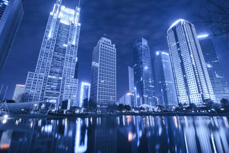 publicidad exterior: Escenas de la noche de Shanghai