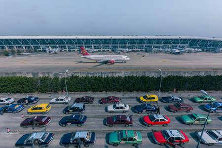 publicidad exterior: Aeropuerto, línea aérea y el coche