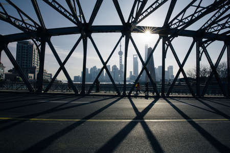 publicidad exterior: Shanghai puente del jardín