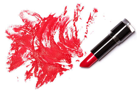 l�piz labial: L�piz labial rojo con el rastro en el fondo blanco
