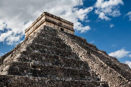 itza: Yucatan, Mexico -  Kukulcan Temple at Chichen Itza
