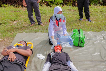 Muadzam Shah, Pahang - October 18th, 2018 : The medical team provided emergency treatment to victims during road accidents in  Inter Agency Disaster Training Program 2018 .